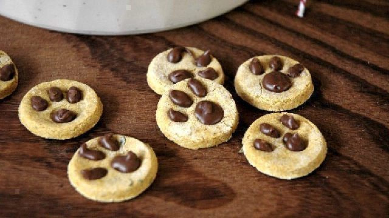 Dog Cookie Recipes For The Holidays