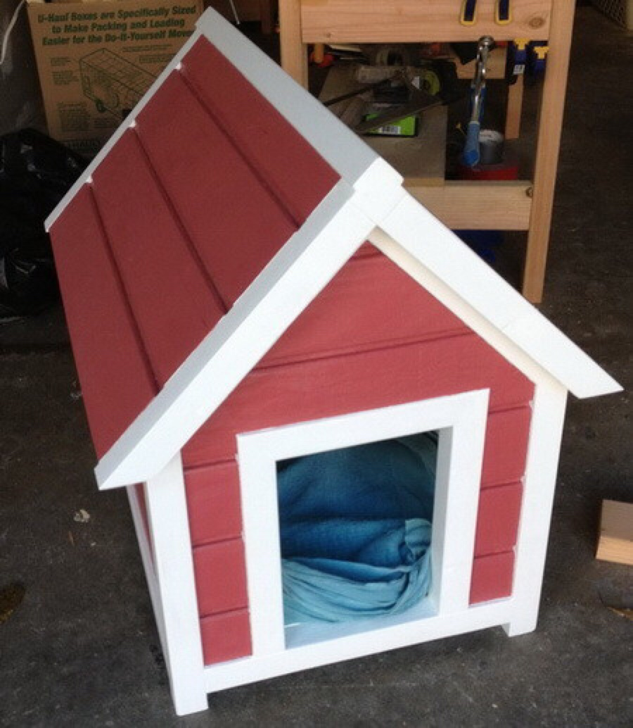 DIY classic dog house