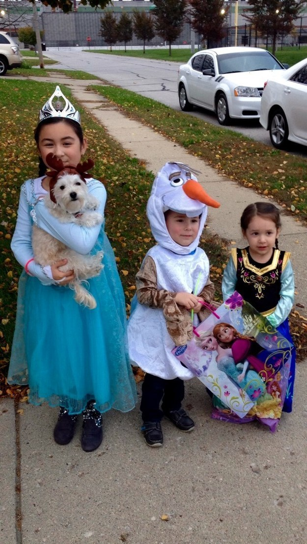 frozen halloween costume for dogs and kids