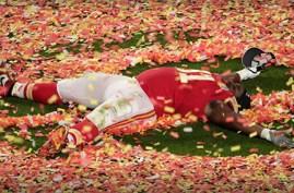 Derrick Nnadi celebrating Super Bowl win