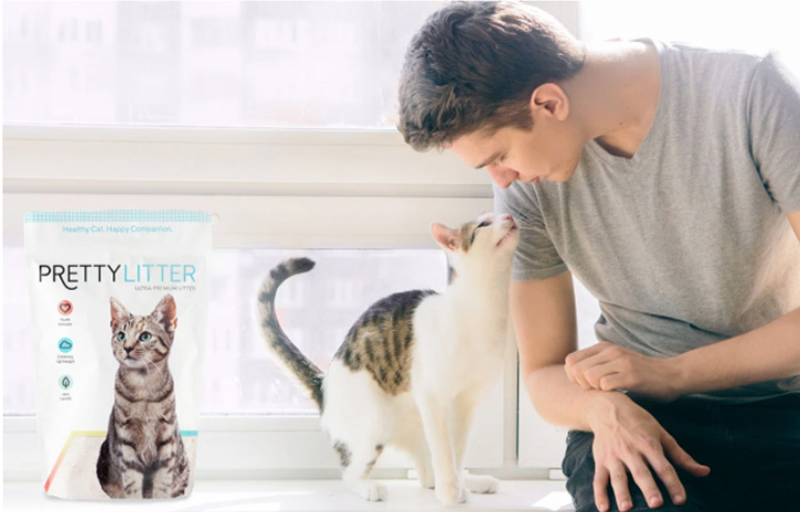 Man with cat and PrettyLitter
